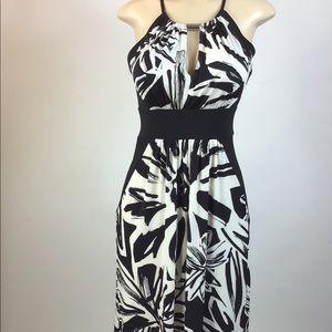 DressBarn long Maxi dress black white size 4 🌞🌞